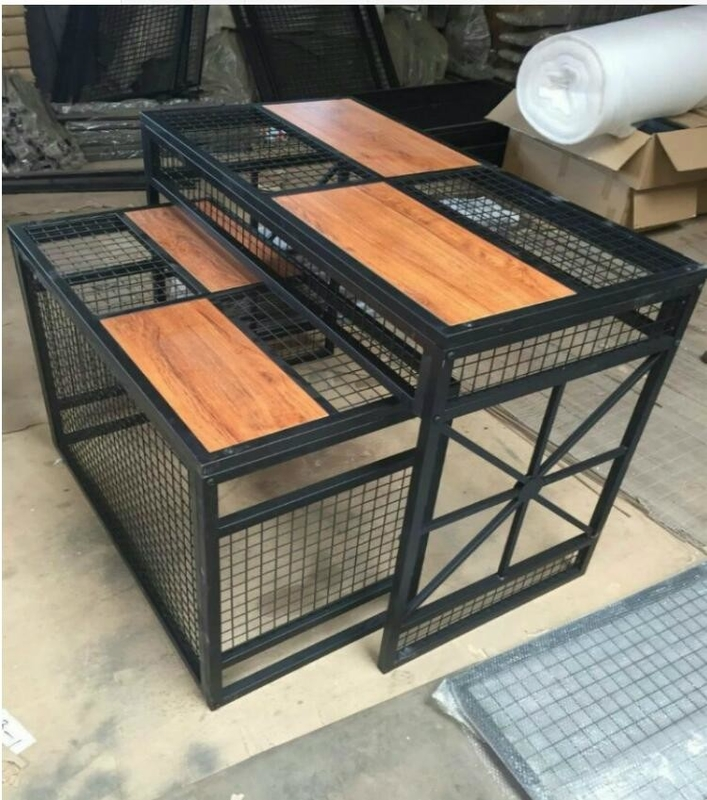 China Iron Wire Tube And Wood Clothes DIplsy Stand / Display Tables For Sport Clothing Store factory